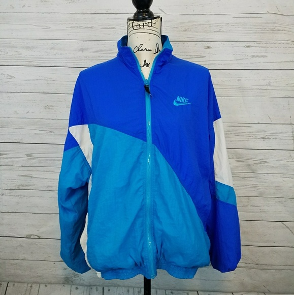 429111b3fe32 Vintage Nike Blue Colorblock Windbreaker Jacket. M 5b140decaaa5b831f29832b5